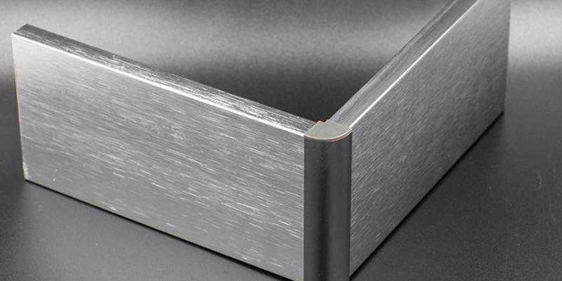 沙隆装饰:铝合金踢脚线与不锈钢踢脚线有什么区别?